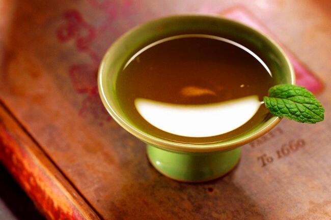少吸烟多喝茶